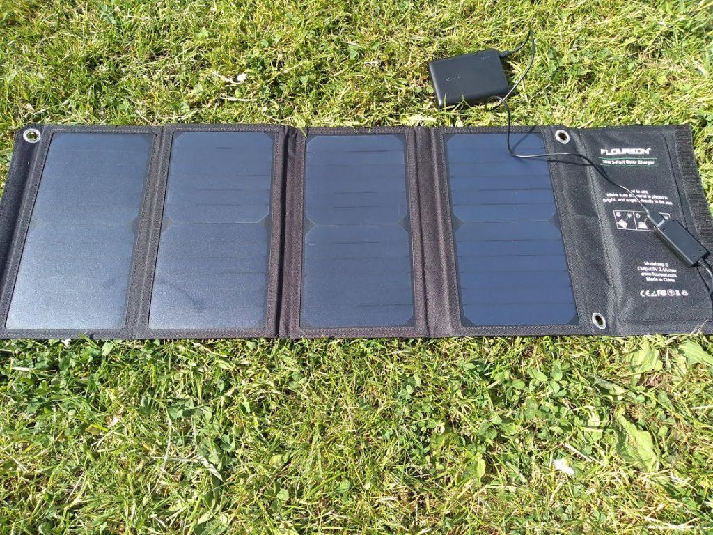 Floureon 28w solar panel